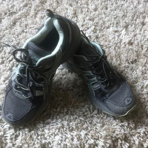 64489d06b48 Women s Discontinued Running Shoes on Poshmark